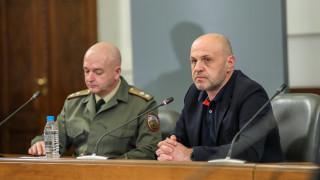 И да бяхме новобранци коя заповед да изпълняваме, пита Томислав Дончев