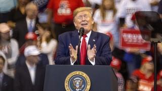 Тръмп се радва на ръст в даренията за преизбирането си заради импийчмънта