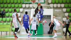 Баскетболистите на Балкан пристигнаха в Израел без багаж