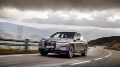 BMW пуска първия си свръхлуксозен електрически SUV с пробег от почти 500 км