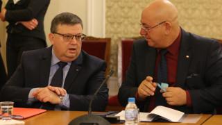 Кандидатът за шеф на КПКОНПИ Цацаров не коментира изслушването си