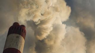 Планът на Тръмп да спре чистата енергия и да възроди въглищата
