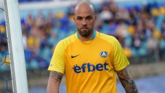 Николай Михайлов е свободен да си търси нов отбор?