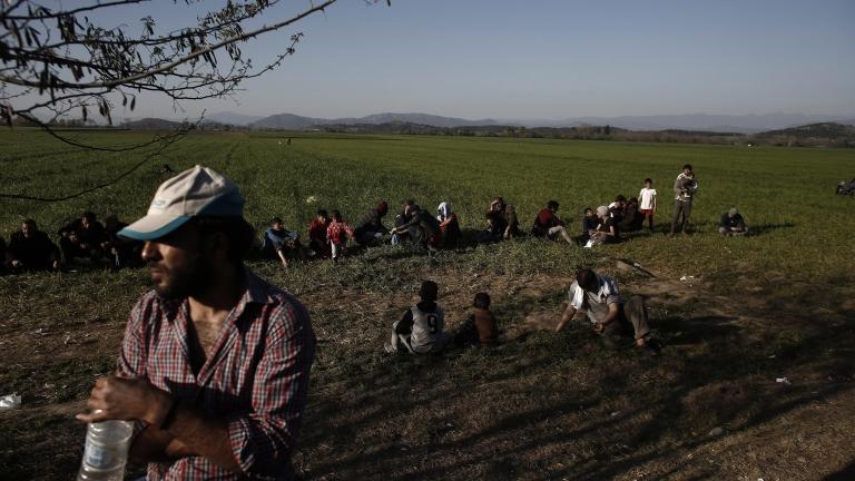 Задържаха 26 нелегални мигранти в село Янтра