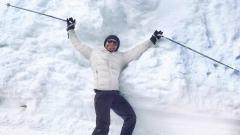 Така се забавляват звездите на снега!