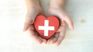 Как един човек спасява над 2 милиона бебета