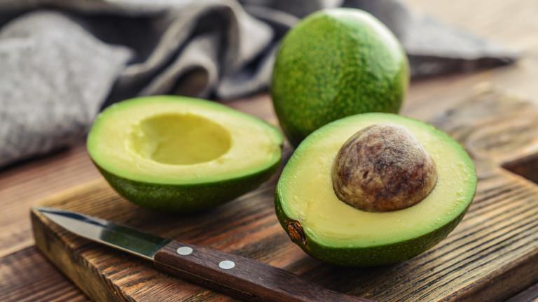 Трябва ли да мием авокадото, преди да го обелим