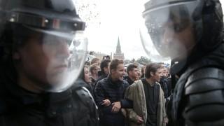 Арести в Москва заради акция на солидарност с протестите в Беларус