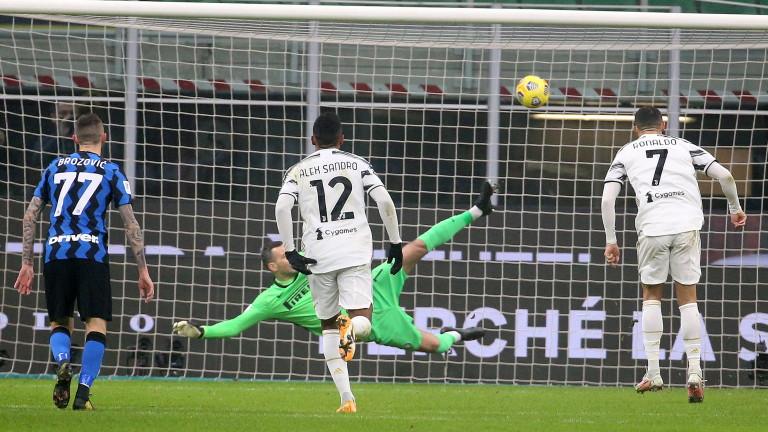 Реферът Мариани носи късмет на Ювентус, но не и на Интер