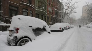 Ню Йорк е парализиран заради снежна буря