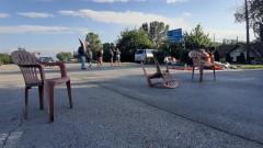 Шести ден не спират протестите до село Крушаре