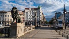 Средната заплата в София официално мина 2000 лева