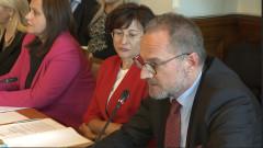 Магистратски бонуси нажежиха страстите в правна комисия