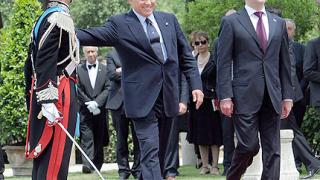 """Медведев и Берлускони """"на една вълна"""""""
