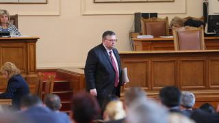 Цацаров посети парламента за разговор с Цвета Караянчева