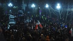 Протестиращи блокираха полския парламент, гневни на нов закон