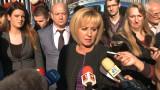 Мая Манолова докрай отстоява каузата на протестиращите майки