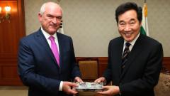 Премиерът на Южна Корея иска братство и бира от България