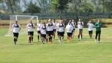 Двуразови тренировки за футболистите на Берое в Банско
