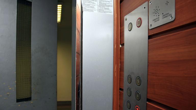 Правителството купува 2 асансьора на болницата във Варна