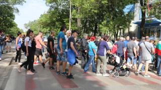 """Жители от """"Захарна фабрика"""" не искат в квартала си хора от Виетнамските общежития"""