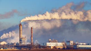 Рязък спад на CO₂ емисиите в България