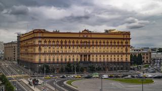 Кметът на Москва прекрати гласуването за статуите на Невски и Дзержински