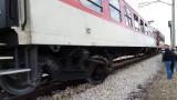 Влак помете кола на охраняем прелез край Разград