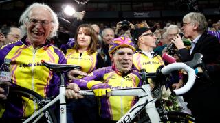 105-годишен колоездач постави световен рекорд