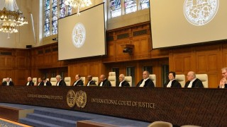 Международният съд: САЩ да отменят санкциите срещу Иран за хуманитарната помощ и гражданската авиация
