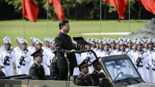 Забраниха опиума, плодовете и чадърите на военен парад в Хонконг заради Си Дзинпин
