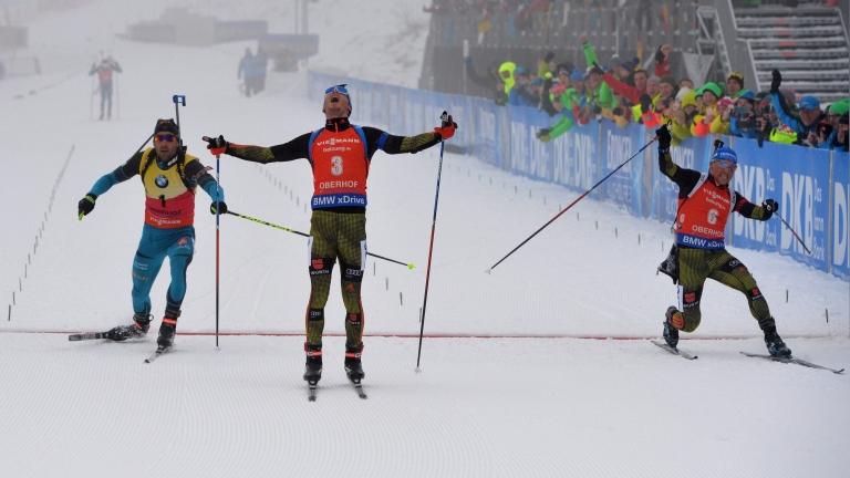 Зимон Шемп спечели с 0,4 секунди масовия старт