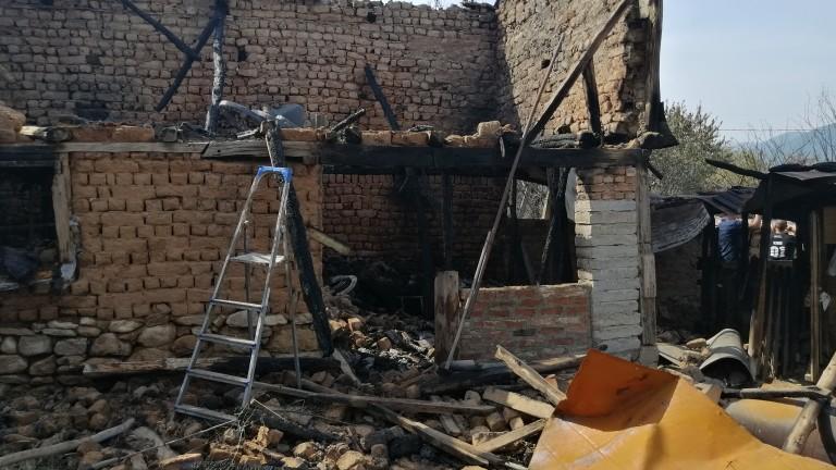 40 пожара са загасени в страната от началото на деня