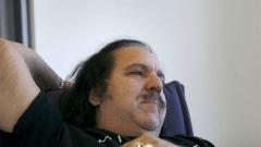 Порно кралят Рон Джереми бере душа в болница