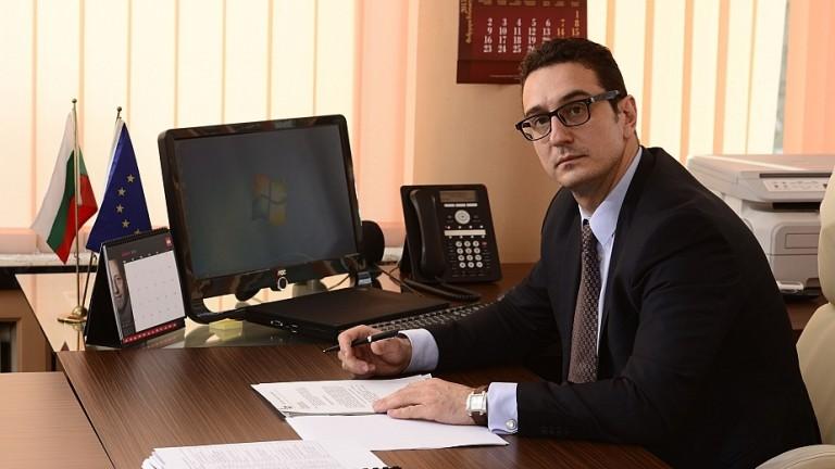 Стамен Янев: Докато няма договор, все още имаме надежда Volkswagen да дойде в България
