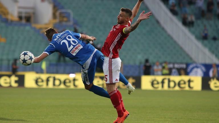 Капитанът на ЦСКА Николай Бодуров се скарал с Люпко Петрович