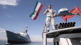 Иран пуска стелт кораб в Персийския залив