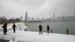 """""""Животозастрашаваща"""" снежна буря връхлита източното крайбрежие на САЩ"""