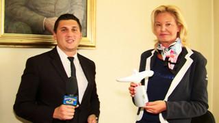 Бяла лястовица каца при Стефка Костадинова