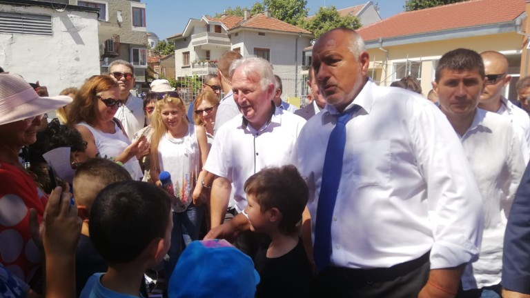 Премиерът Бойко Борисов не е доволен от шефката на Търговския