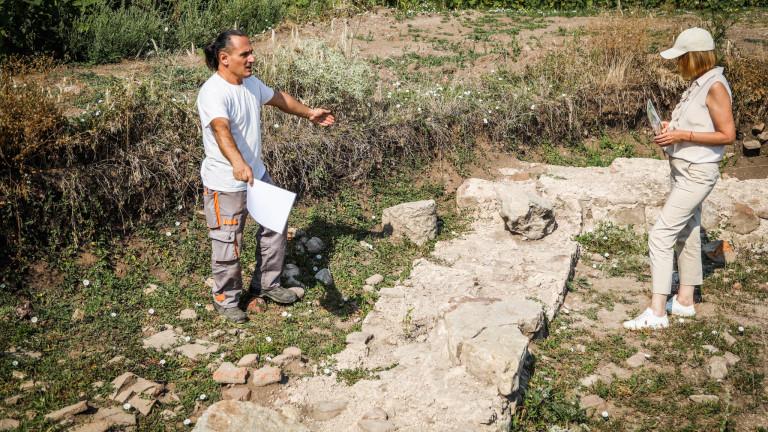 Фандъкова обикаля по разкопки в Софийско