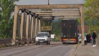 """Мост """"Родопа"""" във Варна се нуждае от спешен ремонт"""