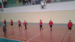 Играчи от първия отбор на ЦСКА-София тренират с дубъла