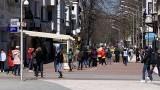 Опашки от безработни се извиха пред бюрото по труда във Варна