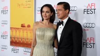 Анджелина Джоли се развежда с Брад Пит