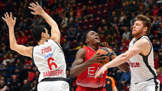 Анадолу Ефес спечели турското дерби в Евролигата