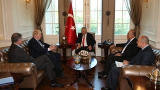 Много съм доволен от красивата си турска перална машина, заяви Борис Джонсън в Турция