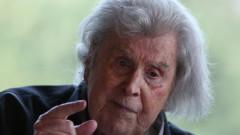 Почина големият гръцки композитор Микис Теодоракис