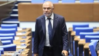 Марешки се чувства достоен за парламента, щом го атакува Вигенин