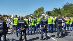 Пловдивски земеделци блокираха пътя Пловдив - Карлово